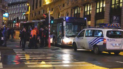 MIVB-bus rijdt zeven voetgangers aan in Brussel: bestuurder werd mogelijk onwel