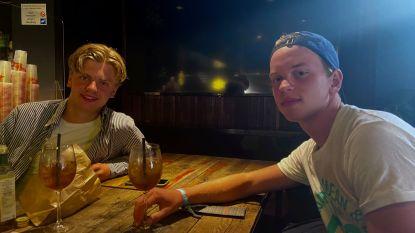 """Cafébazen en Nederlanders reageren na aanhoudende overlast in uitgaansbuurt van Knokke: """"Een later sluitingsuur zou misschien al veel oplossen"""""""
