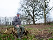 Jan wil straks achterop eigen land, onder door opa geplante eikenboom, begraven worden