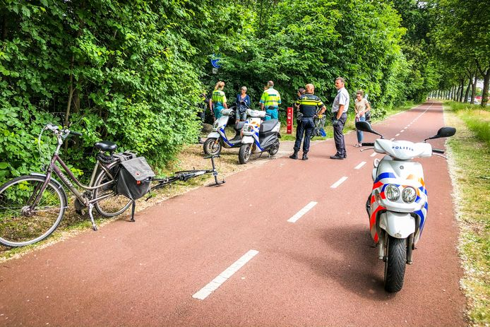 Een wielrenner en een fietser kwamen woensdagmiddag met elkaar in botsing in Eindhoven.