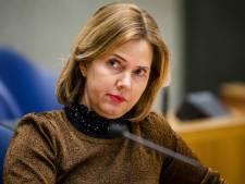 Minister overweegt rijbewijs en helmplicht voor Stint