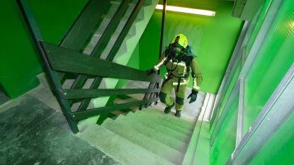 640 treden mét perslucht en in interventiekleding: brandweerman Jelle laat zich sponsoren voor staptherapie Collette (3)