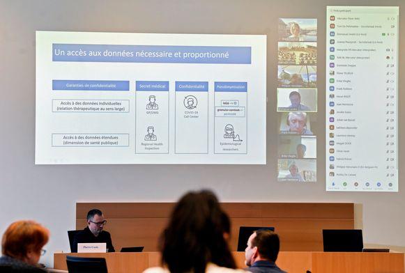Hoorzitting met o.a. Emmanuel André (KULeuven) en Erika Vlieghe (UAntwerpen) over de oprichting van een databank bij Sciensano in het kader van de strijd tegen de verspreiding van het coronavirus Covid-19.