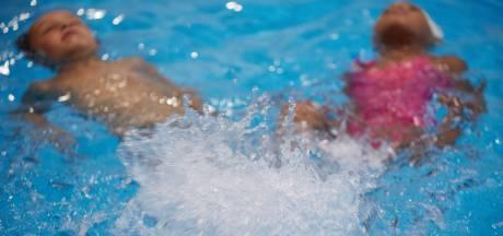 Achterstanden bij zwemlessen, langere wachtlijsten en aangepast afzwemmen: zwembaden worstelen met coronavirus