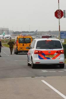 Toestel van kustwacht maakt voorzorgslanding op Eindhoven Airport