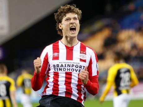 PSV schudt Vitesse af en blijft loeren op topklassering in de eredivisie