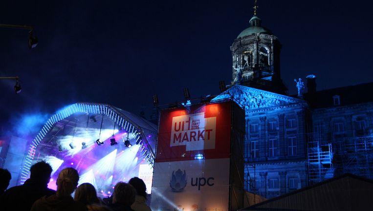 Vrijdagavond is de Uitmarkt op de Dam van start gegaan. Is dit de laatste editie in het centrum? Foto ANP Beeld