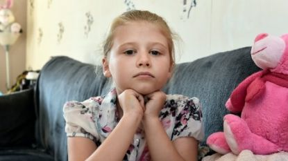 Rachel (9) is allergisch voor warm weer. Ze moet er onophoudelijk van braken