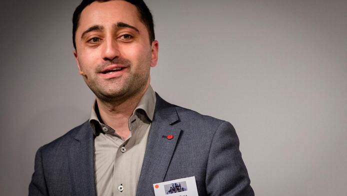 Mahir Alkaya uit Nieuw-West neemt de Kamerzetel van Emile Roemer over.