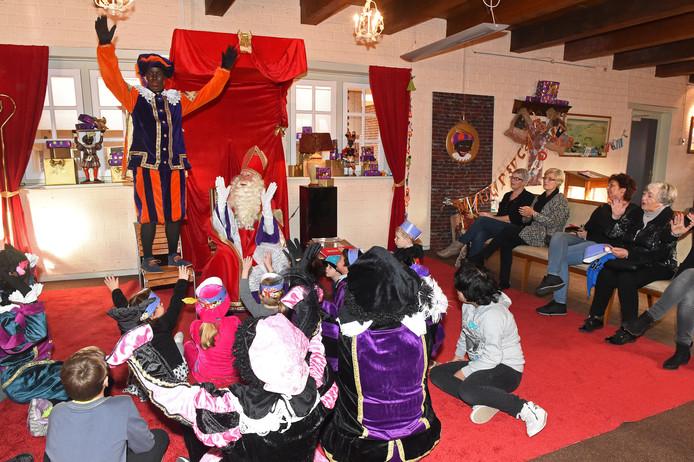 Het Sinterklaashuis in het Arsenaal trekt jaarlijks duizenden kinderen.