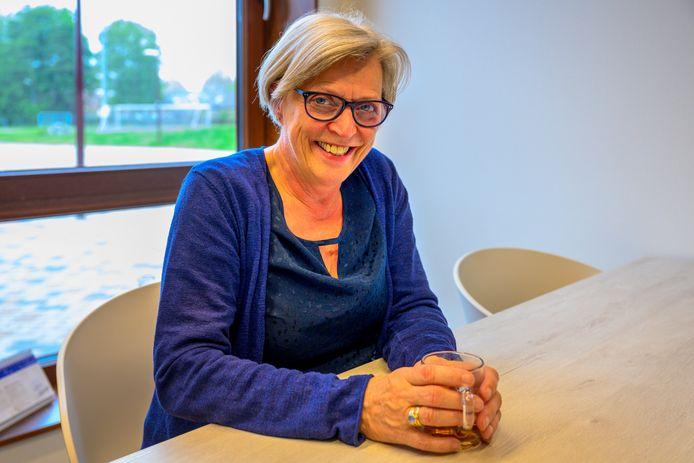 Marianne Fliervoet stopt na dit schooljaar als directeur op De Linde, ze wordt opgevolgd door Bob Schram.