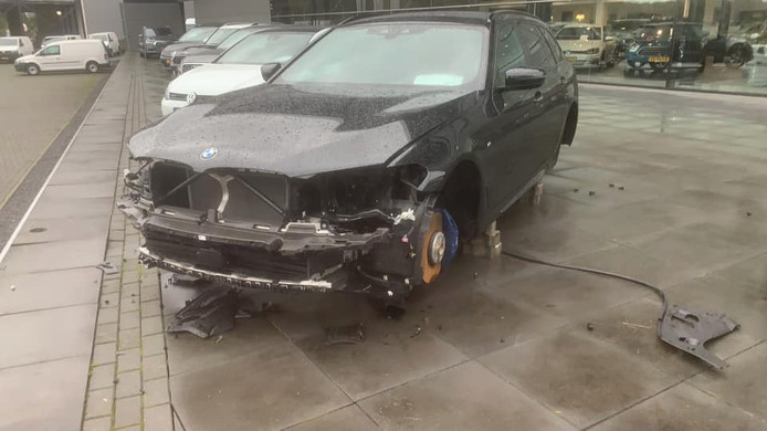 De gestripte BMW.