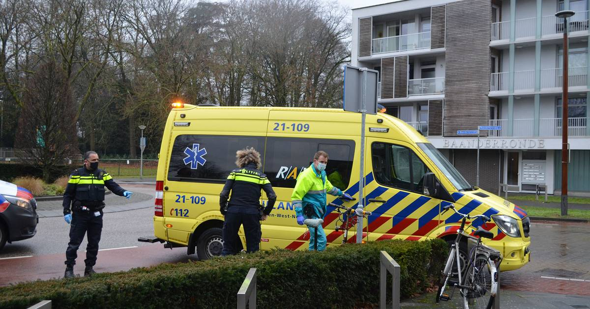 Fietsster lichtgewond na botsing tegen auto in Boxtel.