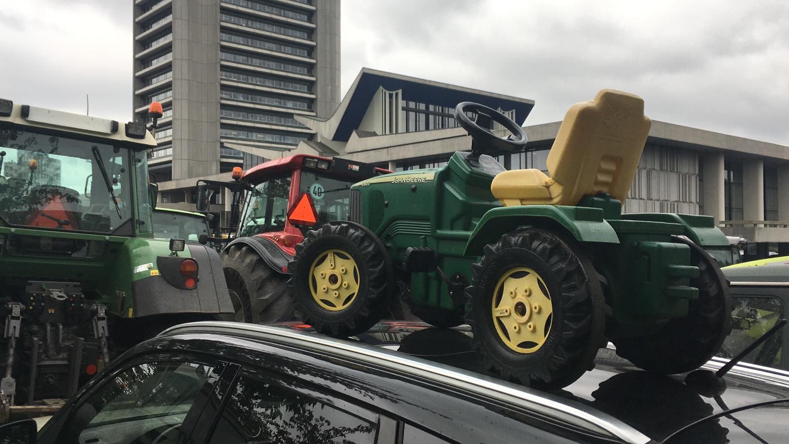 Boerenprotest bij Provinciehuis in Den Bosch