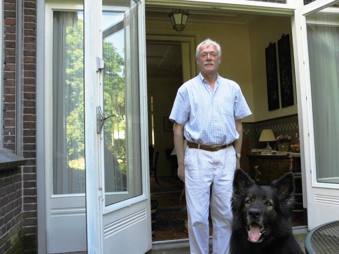 Violist Lykle Lykles met zijn hond Lupot.