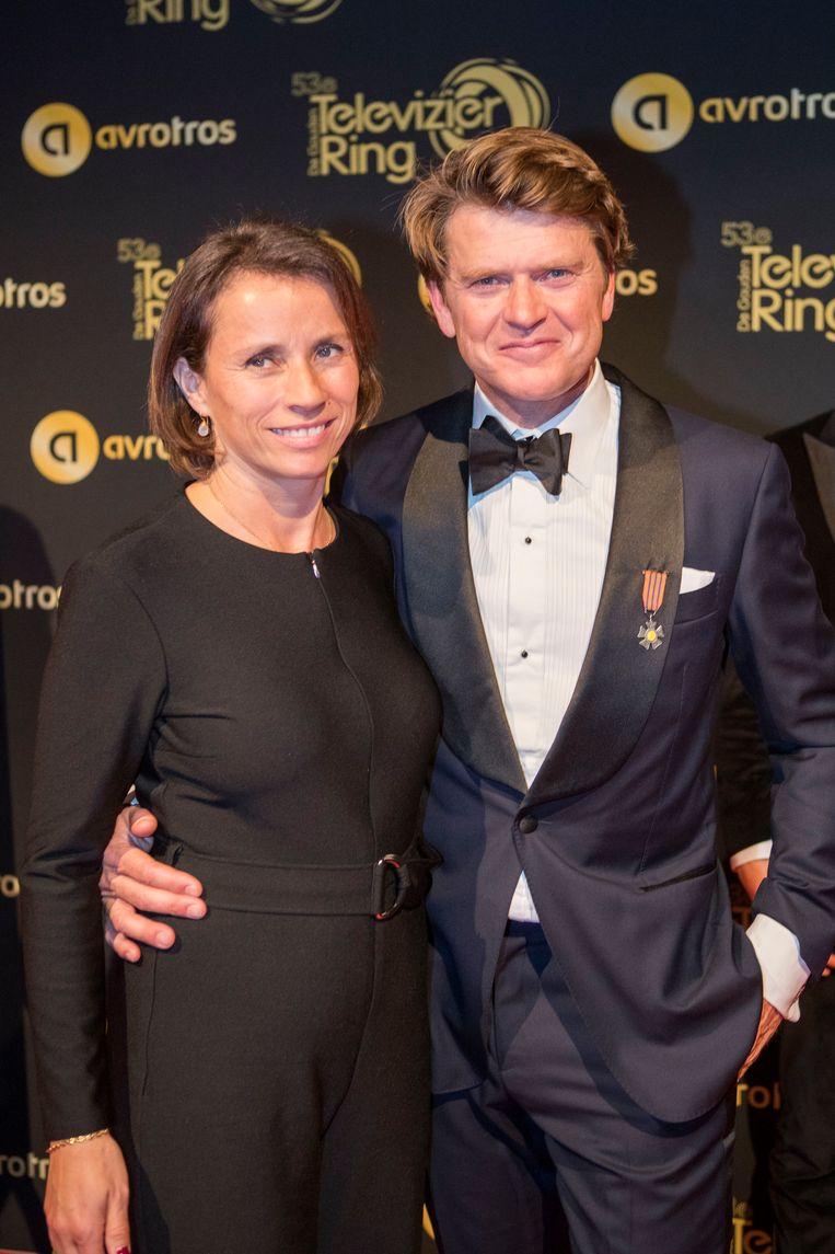 Beau van Erven Dorens tijdens de inloop op de rode loper bij het Gouden Televizier Ring Gala. Beeld Hollandse Hoogte / Leo Vogelzang