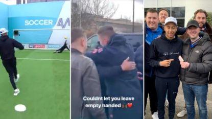Voetballer van Manchester United deelt 600 pond uit aan fans nadat hij een penalty mist