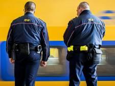 Rotterdamse (33) misdraagt zich en bedreigt conducteur met mes in Roosendaal