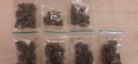 Twee jongens van 17 en 18 aangehouden voor drugshandel in Kaatsheuvel