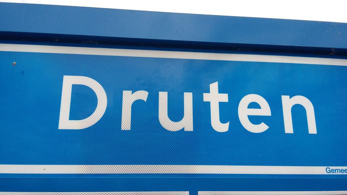 De gemeente Druten is blij dat Liander van het weinig fraai ogende gebouwtje een woonhuis wil maken.