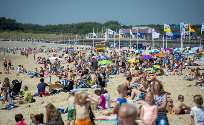 Veel zonneschijn en weinig wind zorgen voor perfect strandweer.