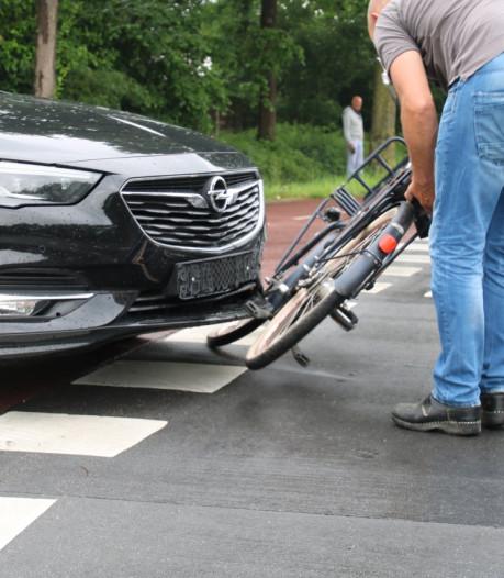 Fietser gewond bij botsing met auto in Zwolle-Zuid