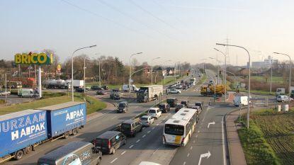 Eindelijk échte oplossing voor files aan lichten Brico Evergem? Nieuwe poging in nacht van 25 op 26 april