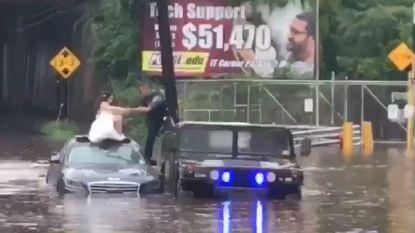 VIDEO. Agent redt bruid uit overstroming in VS