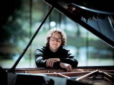 Hannes Minnaar trapt reeks kerkconcerten af in Zwolle