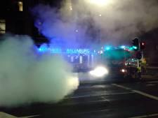 Auto beschadigd bij brandje op straat