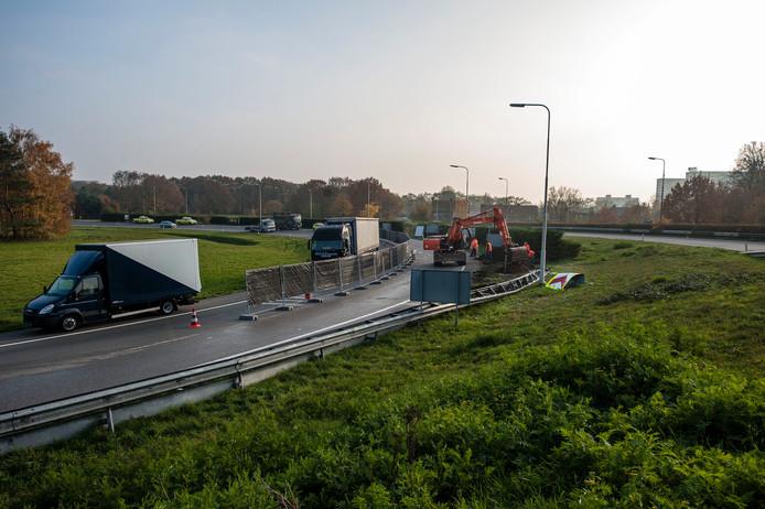 De locatie die de gemeente Bergen op Zoom op het oog heeft voor vestiging van het nieuwe Bravis-ziekenhuis, ligt vlakbij de gevreesde bocht bij Philip Morris, waar veel ongelukken gebeuren. Een nabijheidsvoordeeltje?