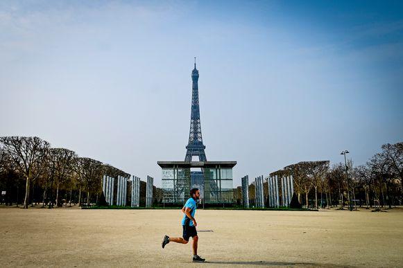 De lucht in Parijs was de voorbije 40 jaar nooit zo proper als vorige week, blijkt uit metingen vna Airparif.