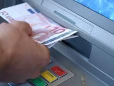 Verdachte voortvluchtig na mislukte beroving bij pinautomaat in Doetinchem
