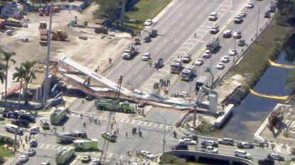 """Voetgangersbrug stort in en verplettert auto's in Florida: """"Minstens zes doden, enkele wagens nog onder puin"""""""