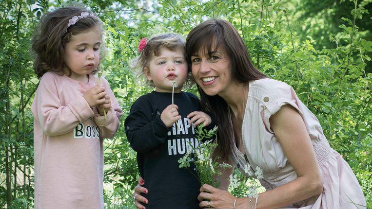 Isabelle Moussiaux  en haar twee kinderen.