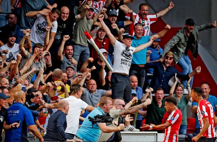 Dit soort vreugde, zoals na PSV-Ajax van het afgelopen seizoen, is voorlopig nog niet toegestaan.