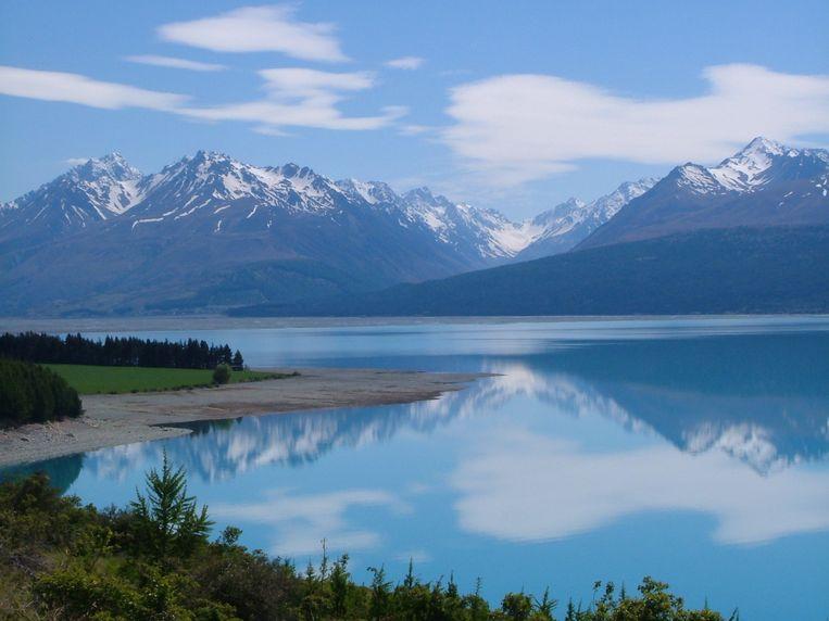Regenwater uit de Nieuw-Zeelandse Alpen is gewild drinkwater. Nieuw-Zeelandse watertransportbedrijven willen dit nu exporteren. Beeld Wikimedia