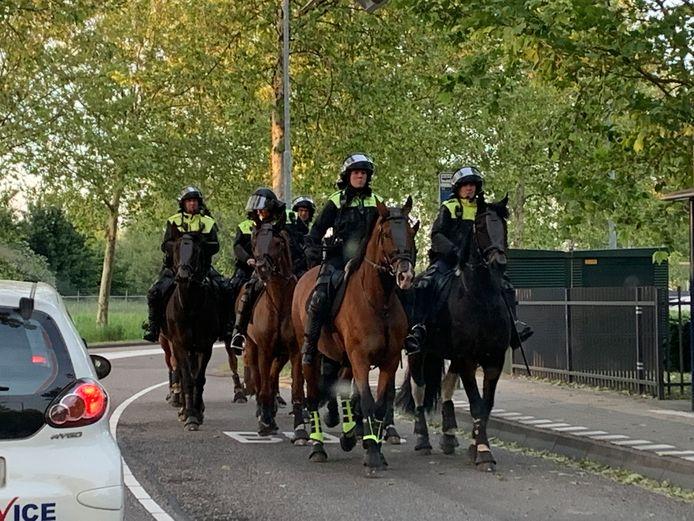 Inzet van de politie na de wedstrijd FC Den Bosch - Go Ahead Eagles