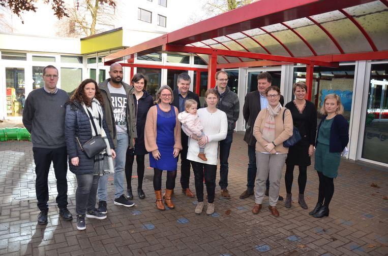 Minister Somers woonde een bezoek van ouders bij aan de centrumschool.