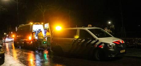 Meisje op scooter raakt gewond na botsing met auto in Apeldoorn