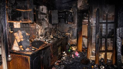 Uitslaande keukenbrand vernielt woning in Kerkwegel nadat kartonnen doos op keramische plaat blijft staan
