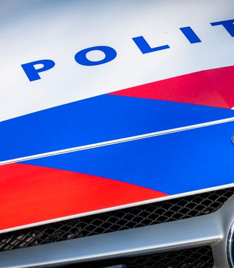 Politie neemt verdachte partij telefoons en brillen in beslag in Eibergen
