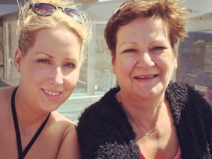 Marjolein van Dommelen met moeder Lia.