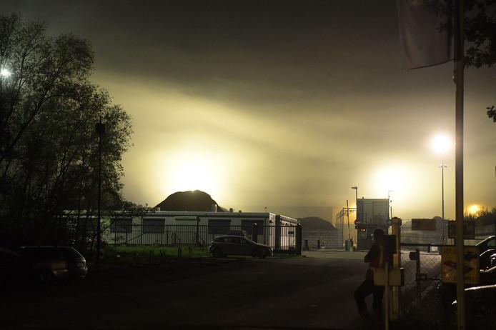 Brand bij afvalverwerkingsbedrijf Baetsen op bedrijventerrein Ekkerskrijt in Eindhoven.