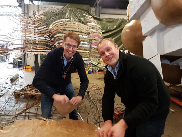 Staatssecretaris Sander Dekker en Thierry Aartsen in Prinsenbeek.