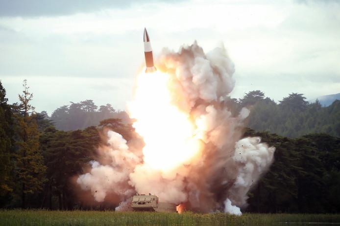 Een van de eerdere recente raketlanceringen van Noord-Korea. Zaterdag vuurde het land opnieuw twee korteafstandsraketten af.
