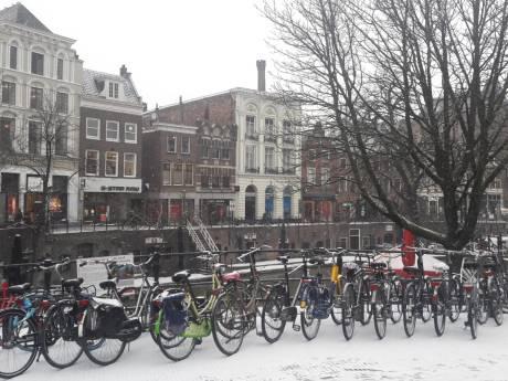 Het sneeuwt! Utrecht verandert in een witte wereld
