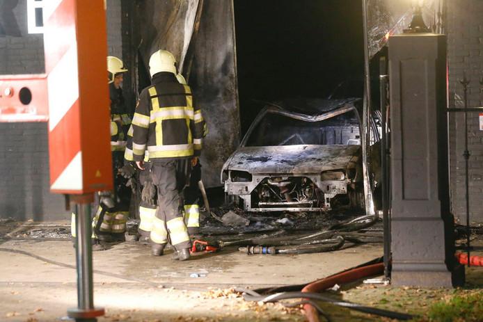 De Oirschotse garage was in 2014 doelwit van een aanslag. Een paar dagen later stond er ook een brandende auto bij de woning van de garagist