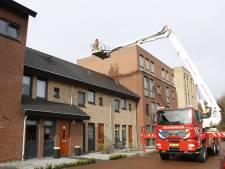 Storm Dennis: opruimen bomen Spijk te gevaarlijk, half dak weggerukt in Landhorst en truck gekanteld