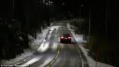 dynamische-straatverlichting-met-radar-regelt-lichtintensiteit-s-nachts-zelf